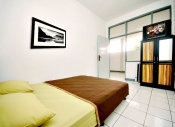 De Hoff Cihampelas Guest House (khusus wanita) (NOT AVAILABLE)